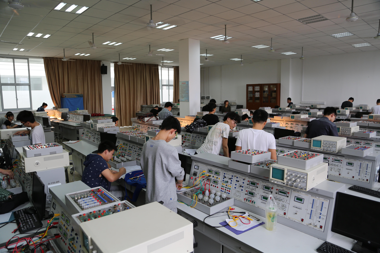 电路综合实验室